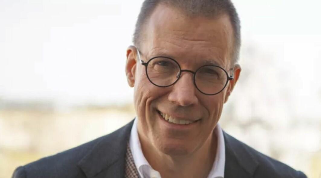 Den tidligere sjefen til Anders Tegnell, Fredrik Elgh, mener at årsaken til at Sverige valgte en helt annen strategi ligger på personnivå.