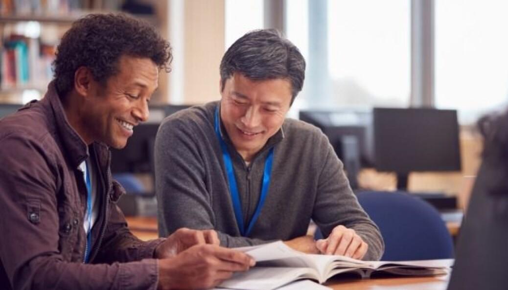 Profesjonsfellesskap i skolen med kultur for samarbeid og tillit mellom lærere og ledelse er viktig i kunnskapsarbeid og lokal læreplanutvikling.