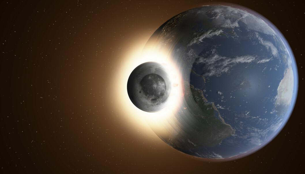 Månen går i bane rundt jorda, og kommer ikke til å krasje.