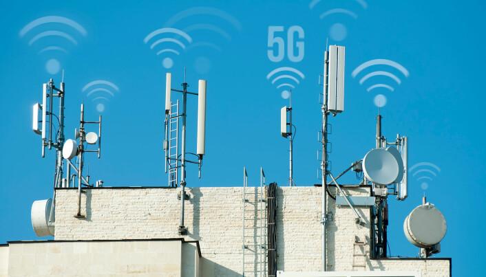 5G-antenner på hustak.