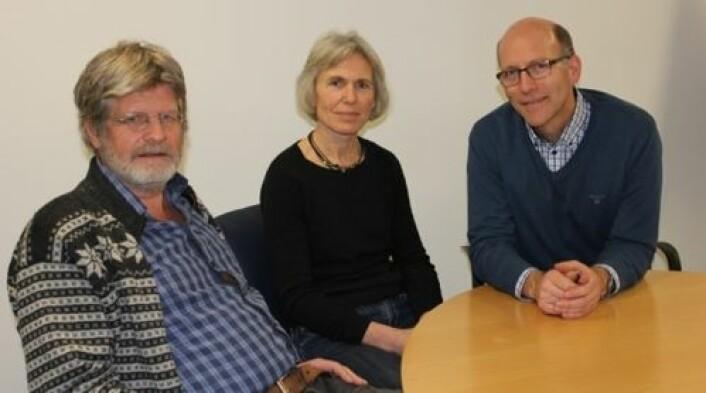 Forskningssjef Anders Høgset (t.v), farmasøytisk direktør Karin Nord og klinisk direktør Jon Borgaard i PCI Biotech kan slå fast at teknologien de har utviklet, gjør at kreftpasienter kan få bedre behandling i fremtiden. (Foto: Siw Ellen Jakobsen)