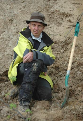 """Eiliv Larsen på feltarbeid i nordlige Russland. - Når vi vet mye om fortidens klima, kan vi også være premissleverandører for de som forsker på fremtiden, sier han."""