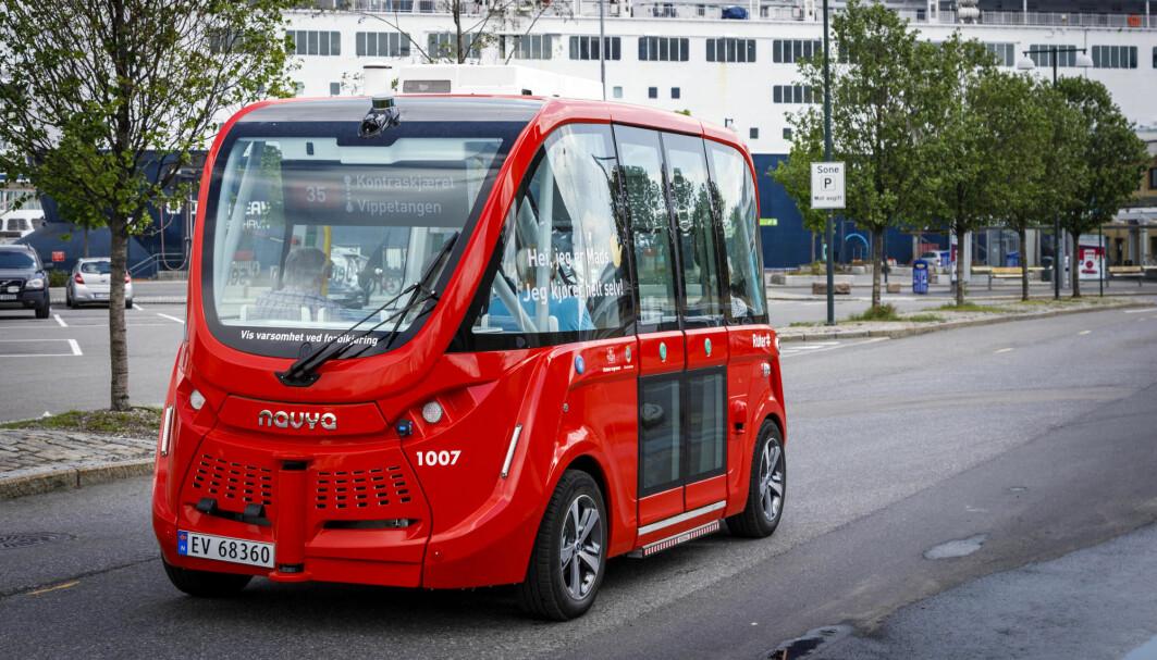 Smartere transport er eksempel på kunstig intelligens. Ruters utprøvning av selvkjørende busser i Oslo startet med linje 35 mellom Rådhusplassen og Vippetangen i 2019.