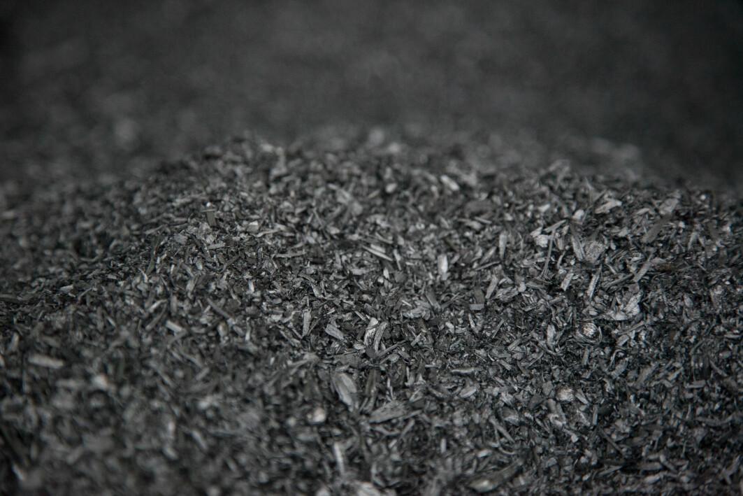 Biokull fremstilles av biologisk materiale, slik som tre- og planterester.