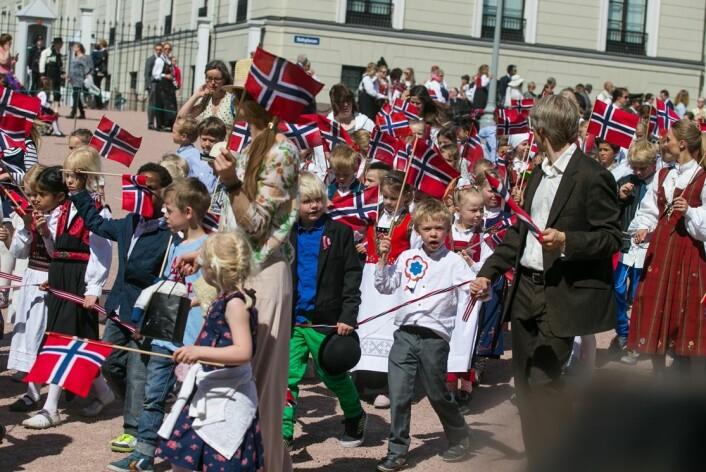 Barnetoget i Oslo 17. mai blir nå forsket på som del av grunnlovsjubileet i 2014. (Foto: Audun Braastad/NTB Scanpix)