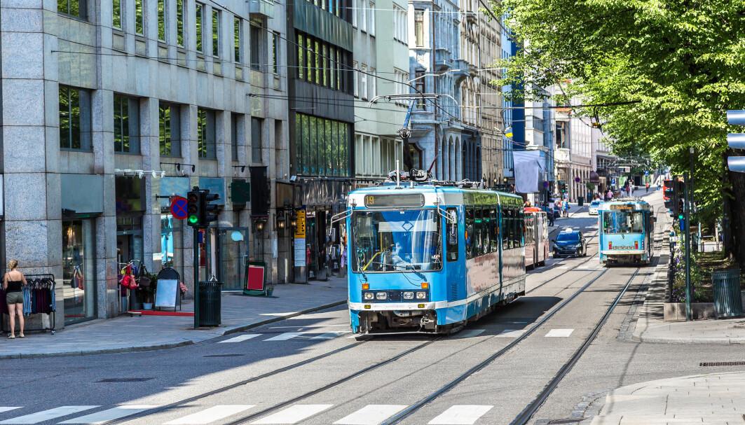 Først når man bor så tett som i indre Oslo, overgår andelen kollektivreiser bilbruken.