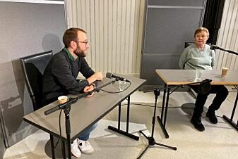 Jasper Littmann fra FHI og Reidun Førde fra UiO i samtale under innspilling.