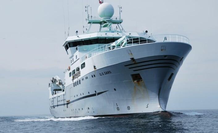 Majestetisk fosser G. O. Sars frem, og skipet kan manøvreres i ganske små områder om det trengs. En sildestim er likevel et lite og ganske vanskelig mål å treffe. (Foto: Hanne Østli Jakobsen)