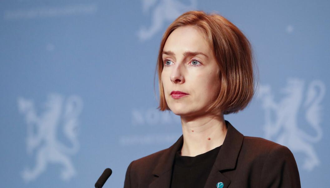 Onsdag må næringsminister Iselin Nybø (V) svare for hvorfor koronamidler som skulle sikre norsk maritim næring havner i Nederland.