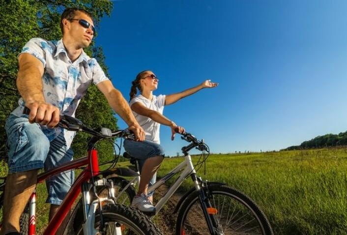Tiltak fra arbeidsgiver for å få ansatte til å sykle til jobb, har liten motiverende effekt. (Foto: Colourbox)