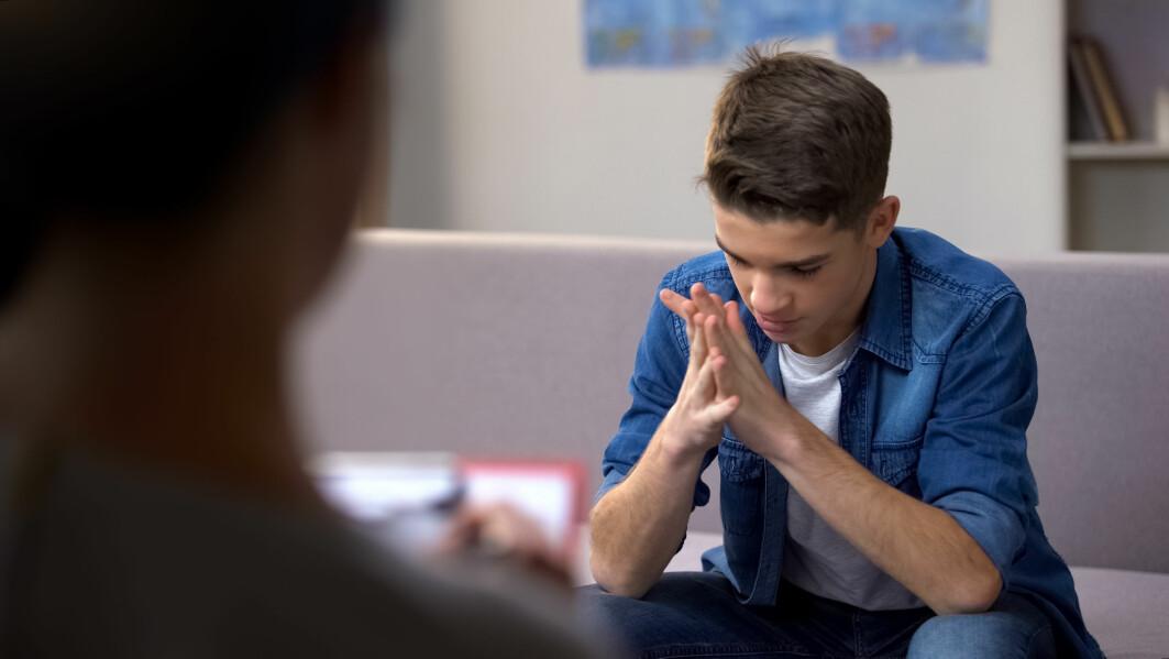 MST er en behandlingsform for ungdommer som viser voldelig eller aggressiv atferd, som har problemer på skolen, som ruser seg eller som har venner som har uheldig innflytelse på dem.