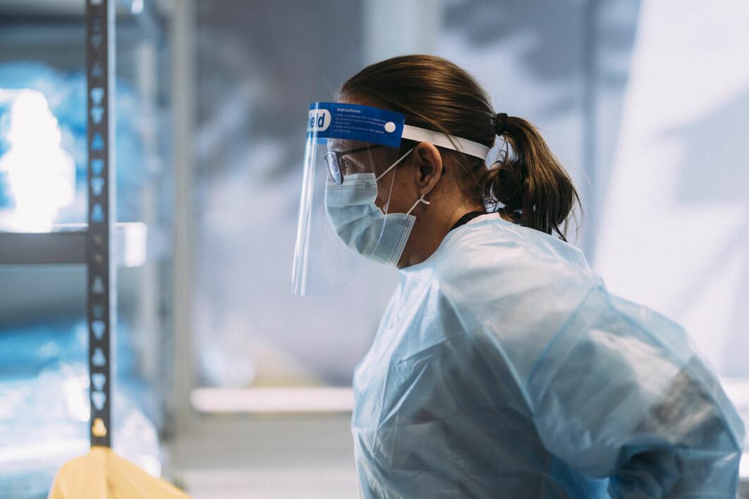 Kvinner er i flertall i mange av yrkene som har vært i frontlinjen i kampen mot koronaviruset.