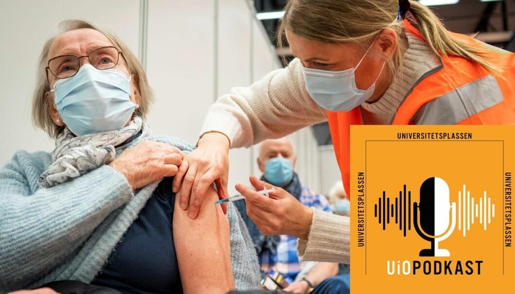 – Vi bør ikke skille mellom mennesker som viktige og mindre viktig, sier professor Reidun Førde. Her får Unni Varre (85) vaksine mot koronavirus på et vaksinesenter i Bærum.
