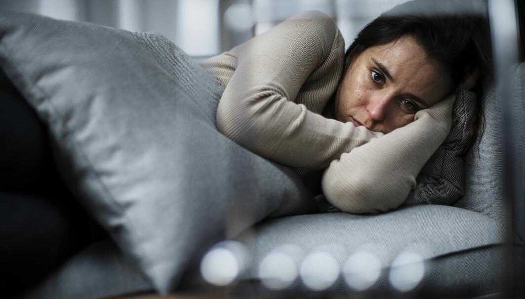 Håndteringen av koronapandemien kan gå fra å handle om fysisk helse til å handle om psykisk helse, ifølge en ny forskningsjennomgang gjort av britiske forskere.