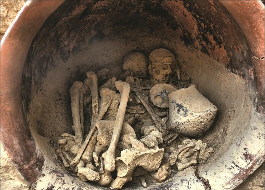Disse menneskene ble gravlagt rundt år 1700 f.Kr. Men hvilken rolle spilte de i deres samfunn?