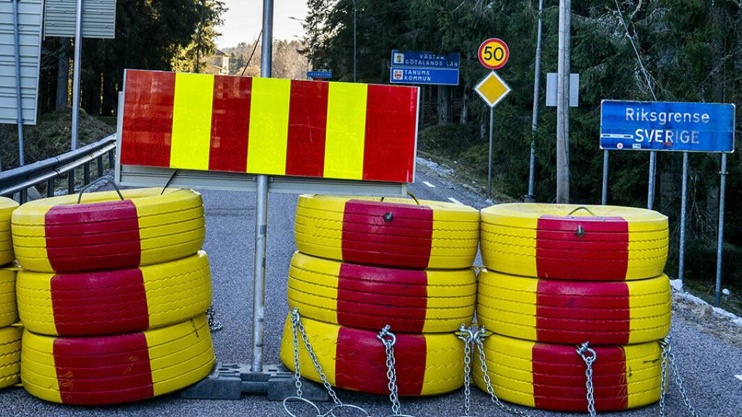 Stengt: For første gang siden 50-taller er vi vitne til at grensen mellom Norge og Sverige er sperret for trafikk.