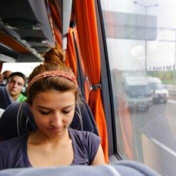 På bussen kan du sitte helt sitte stille og unngå kleine situasjoner. (Foto: iStockphoto)