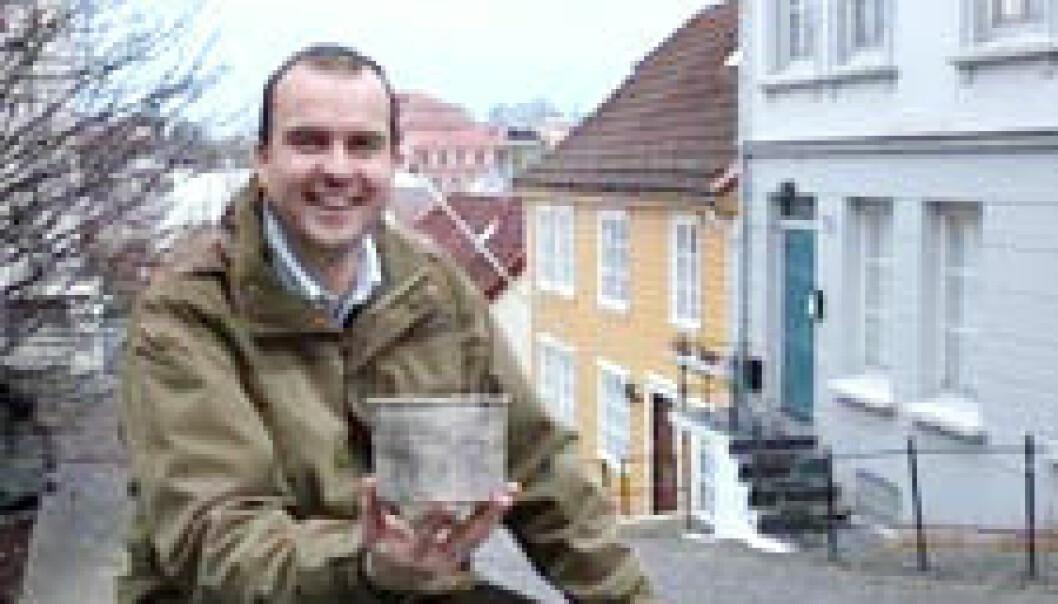 """""""Arkeologen Asbjørn Engevik har skrevet doktorgrad om en spesiell type krukke fra det 4. århundre."""""""