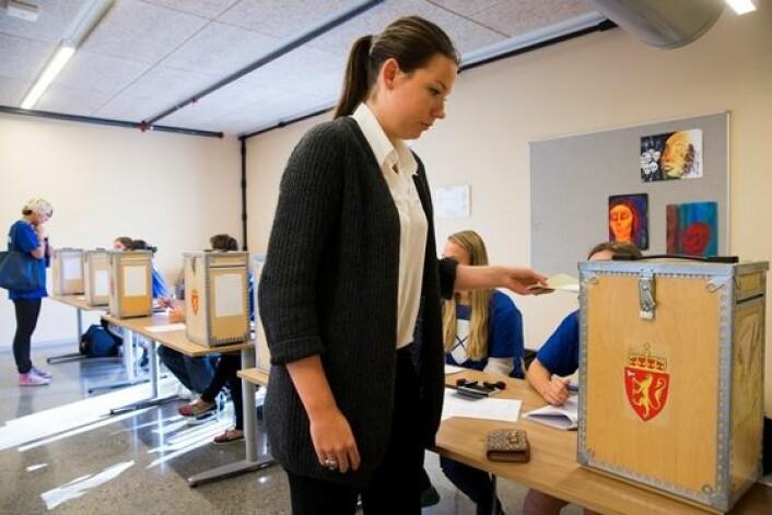 De unge kvinnene sørget for rekordhøy valgdeltakelse blant førstegangsvelgere ved forrige valg. (Foto: Scanpix, Berit Roald)