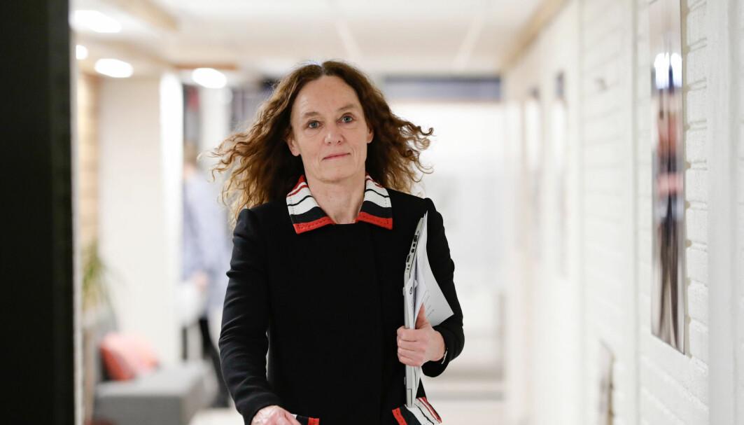 – Vi venter med en avgjørelse til neste uke. Vaksinasjonen med AstraZeneca vil fortsatt være på pause inntil vi har et mer fullstendig bilde av situasjonen, sier folkehelsedirektør Camilla Stoltenberg.