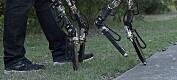 Denne roboten endrer lengden på beina når den går fra gress til betong