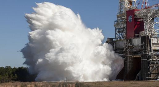 NASA har gjennomført en vellykket test av rakettmotorene de skal bruke til månen