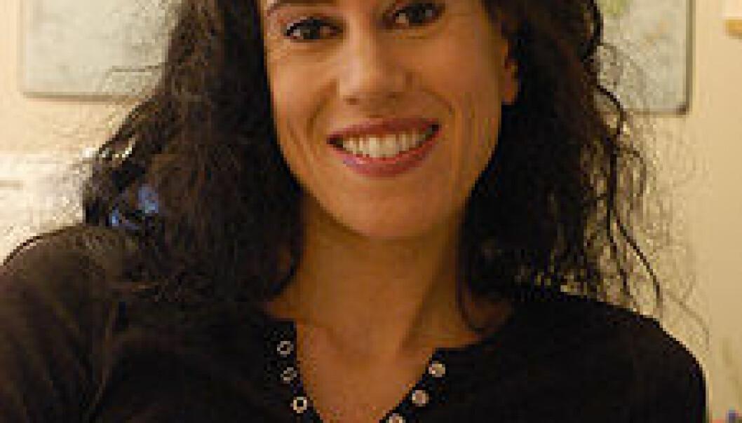 """""""Bente Rebecca Hannisdal har studert den engelske uttalevarianten Received Pronunciation og disputerer for dr.art.-graden den 20. april. (Foto: Eli Kristine Korsmo)."""""""