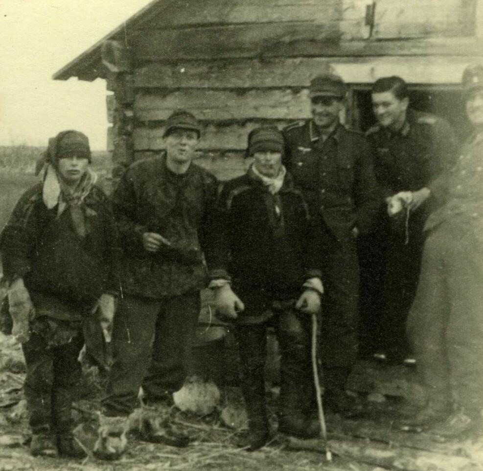 Blant okkupasjonsstyrken varierte oppfatningen av og synet på den samiske minoriteten.