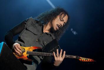 Gitaristen Kirk Hammett fra Metallica var et idol for flere av de gitarspillende guttene i klasse 9B. (Foto: Florian Reischauer/Wikimedia Commons)