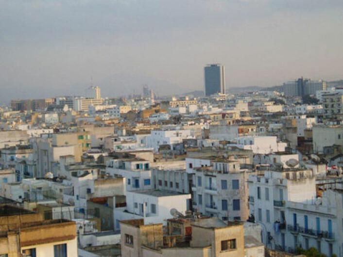 To tredjedeler av innbyggerne i Tunisia bor i byer. Bildet fra Tunis. (Foto: IRD/P. Traissac)