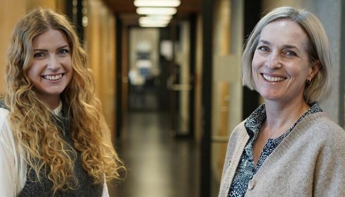 Lærer Kjerstin Kvaavik (venstre) og professor Ingvill Rasmussen fremhever begge hvor viktig det er at alle elever kan ta del i felleskapet i klassen.