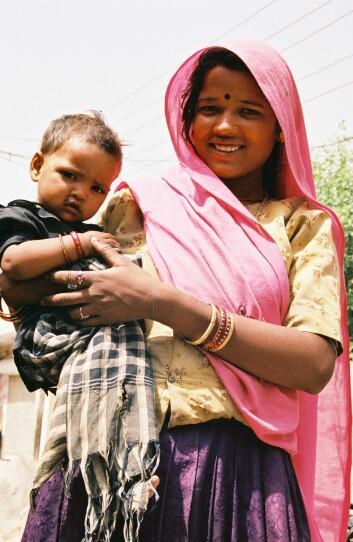 Gode data på mor og barn-helse i fattige land er viktig for å kunne sette i verk eventuelle tiltak. (Foto: USAID/Chris Thomas)