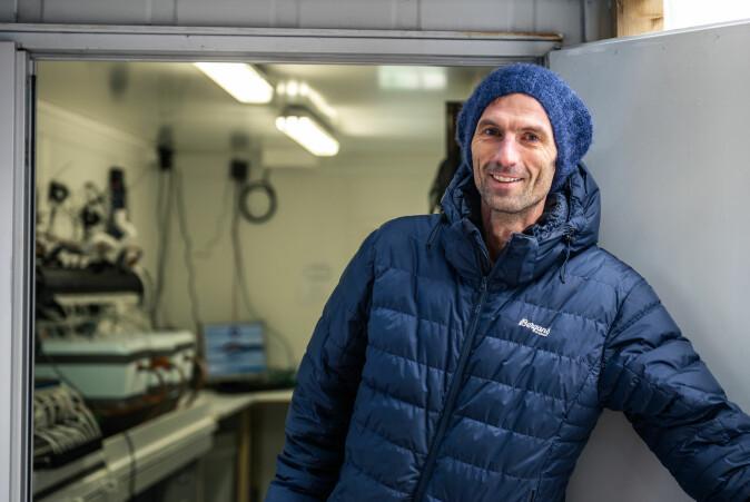 En liten datamaskin har gjort jobben som forskerne selv har gjort tidligere. – Jeg har aldri sett så mye skjelldata i hele mitt liv, sier skjellforsker Tore Strohmeier.