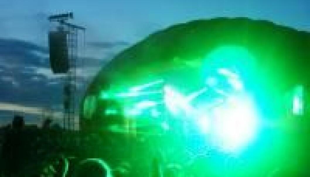 Ifølge Paul Jensen har aldri Roskilde-festivalen opplevd akutte hørselsskader. Her spiller Kesi på den nye Apollo-scenen. Jeppe Wojcik