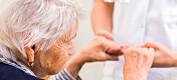 Koronaen har gitt oss en forsmak på krisen som vil komme i eldreomsorgen, mener forsker