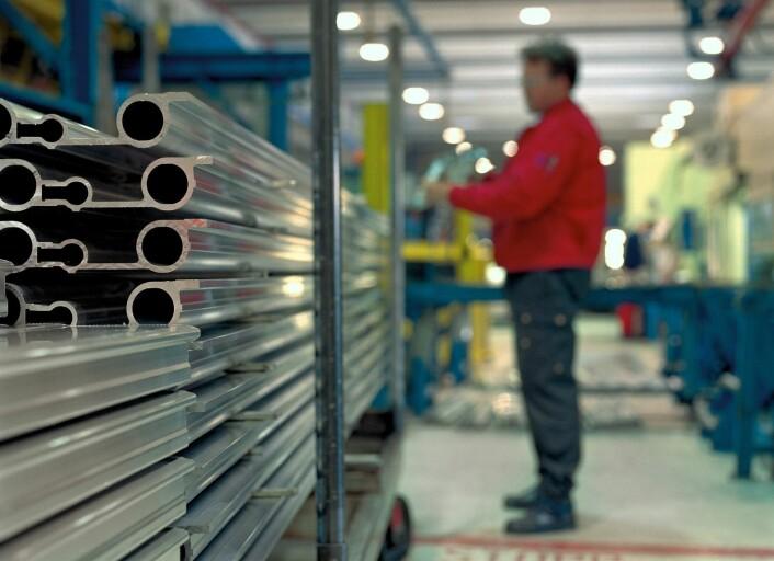 Industrien er på jakt etter sterkere og billigere aluminiumslegeringer. (Foto: Simon McComb/Norsk Hydro)