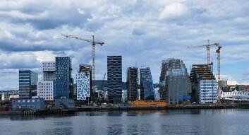 Byggene i Barcode i Bjørvika har vært fokus for arkitekturdebatten i Norge de siste årene. Dermed blir det stål- og betongmaterialer som får oppmerksomhet. Signalbygg i tre kan få flere til å vurdere mulighetene i materialet, tror Nygaard. (Foto: Helge Høifødt/Wikimedia Creative Commons)