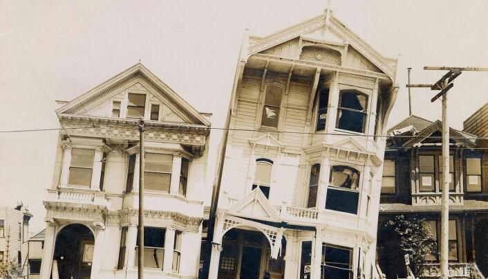 Trehusene blir oftere stående uten å falle sammen – her fra jordskjelvet i San Francisco 18. april 1906.
