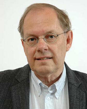 Demokratisering av samfunnet har ført til endringer i språket, forteller professor Gunnstein Akselberg.