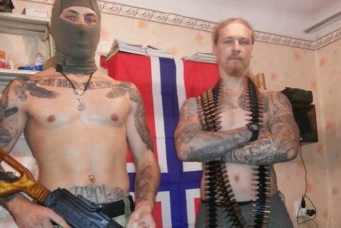 Yan Petrovskiy (til høyre) dro til øst-Ukraina i 2014 for å kjempe på seperatistenes side. Senere endte han opp i Syria, hvor han ifølge NRK kjempet på vegne av Assad-regimet.