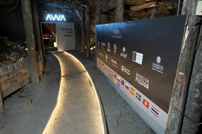 I dette hvelvet på Svalbard kan digitale data lagres trygt i hundrevis av år. Den europeiske romfartsorganisasjon, Mexicos nasjonalarkiv, det norske Nasjonalgalleriet og brasilianske Museum of the Person har lagret deler av samlingene sine her.
