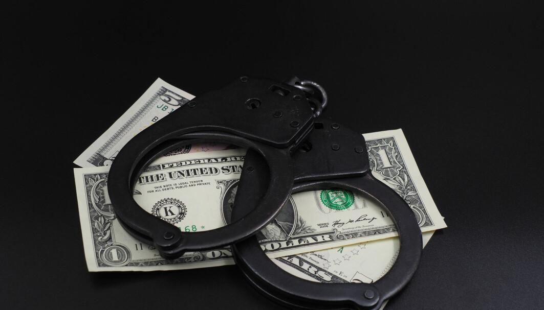 Ingen enkeltpersoner ble straffet da Rolls Royce ble anklaget for korrupsjon, i stedet ble det betalt en bot tilsvarende åtte milliarder kroner.