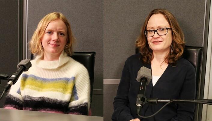 Reisebokforfatter Erika Fatland (t.v.) og språkforsker Åshild Næss diskuterer poenget med grammatikk.