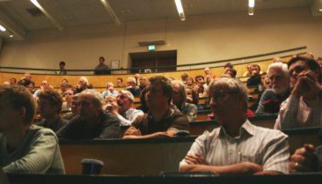 """""""Godt oppmøte under Friis-Christensens foredrag ved Fysisk institutt ved Universitetet i Oslo."""""""