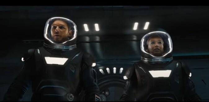 """I <span class="""" italic"""" data-lab-italic_desktop=""""italic"""">Passengers</span> må astronautene fly gjennom et asteroidebelte. Sannsynligheten for å treffe en asteroide er forsvinnende liten, så dette utgjør egentlig ingen fare. Morten Tyldum regisserte filmen fra 2016."""