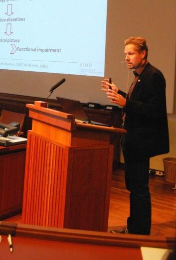 Sven Bölte tror ikke diagnoseendringen vil bety store endringer for de rammede familiene. (Foto: Hanne Jakobsen)