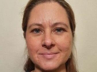 Det er klar trend, men ingen regel, at en overvekt av kvinner har fått den sjeldne og alvorlige blodproppbivirkningen, sier vaksineforsker Gunnveig Grødeland ved UiO.