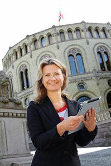 Gunn Enli leder prosjektet Sosiale medier og valgkamp ved Institutt for medier og kommunikasjon, Universitetet i Oslo. (Foto: Terje Heiestad)