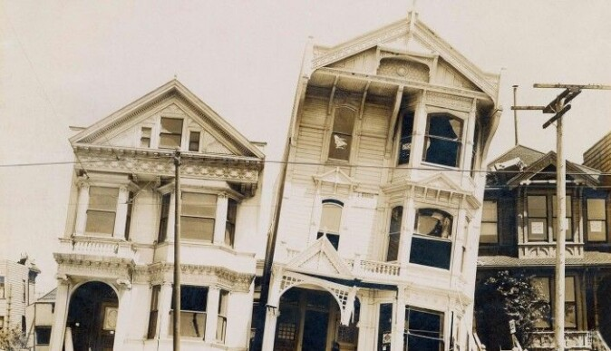 Wooden houses more often stand without collapsing - here from the earthquake in San Francisco on April 18, 1906.