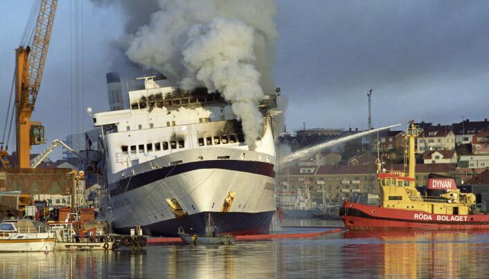 I alt 159 mennesker døde i 1990 i den påsatte brannen om bord på skipet Scandinavian Star på vei fra Oslo til Danmark. Selskapet som eide skipet var registrert på Bahamas.